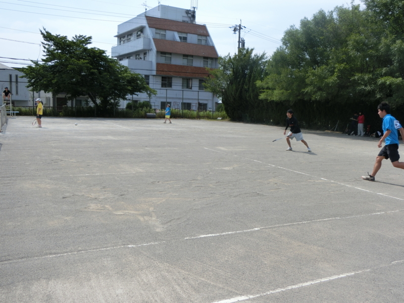試合風景(手前から中村さん、仲松さん、田中、桂川さん)