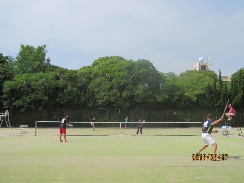 試合風景(手前から牧、上永、川野さん、栗山)