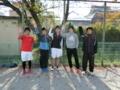 何のポーズなんでしょう(左から山本さん、涼太さん、加藤さん、渕さ