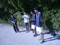 試合観戦中①(左から、加藤さん、啓斗さん、北野、吉田)