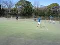 試合風景④(手前後衛から原田さん、陵木さん、那須さん、深谷さん)