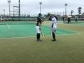 ハイタッチ②(左から北川さん、栗山さん)