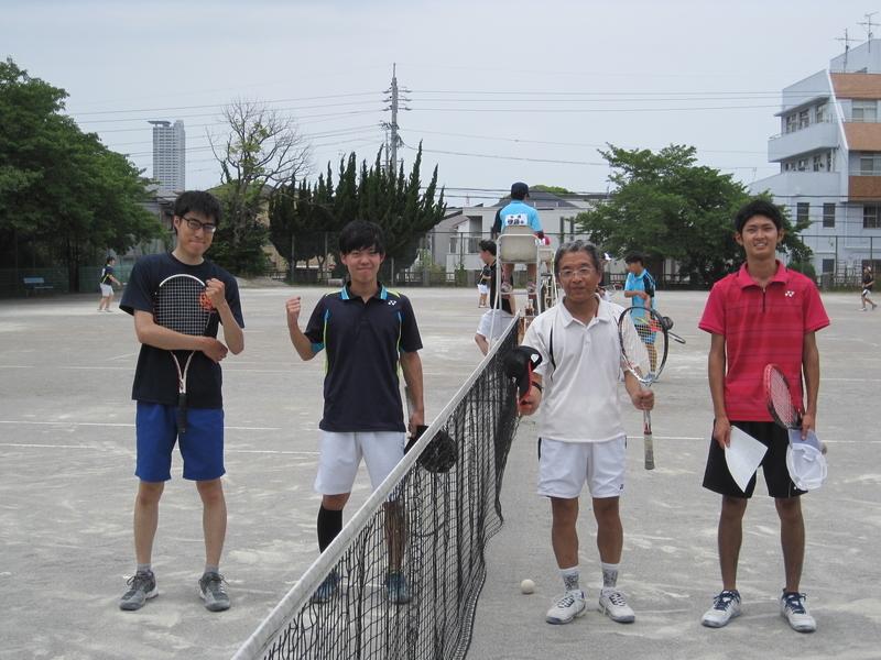試合後③(右から萬中、杉浦さん、伊藤さん、寺西さん)