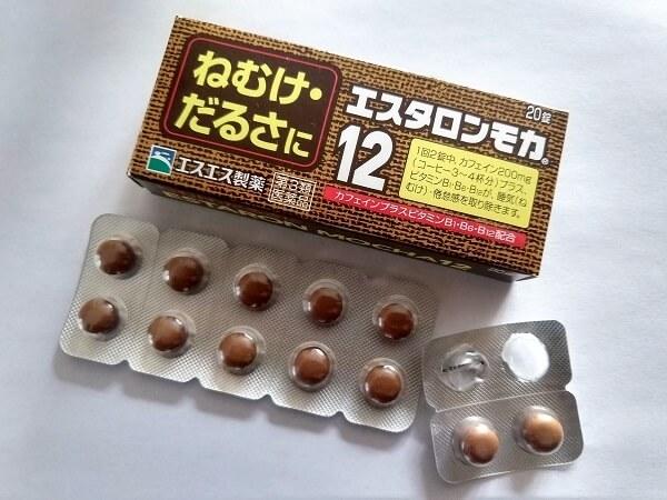 エスタロンモカ12のパッケージと錠剤
