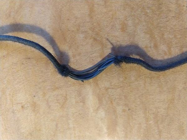 日本野鳥の会の長靴の切れたゴム紐