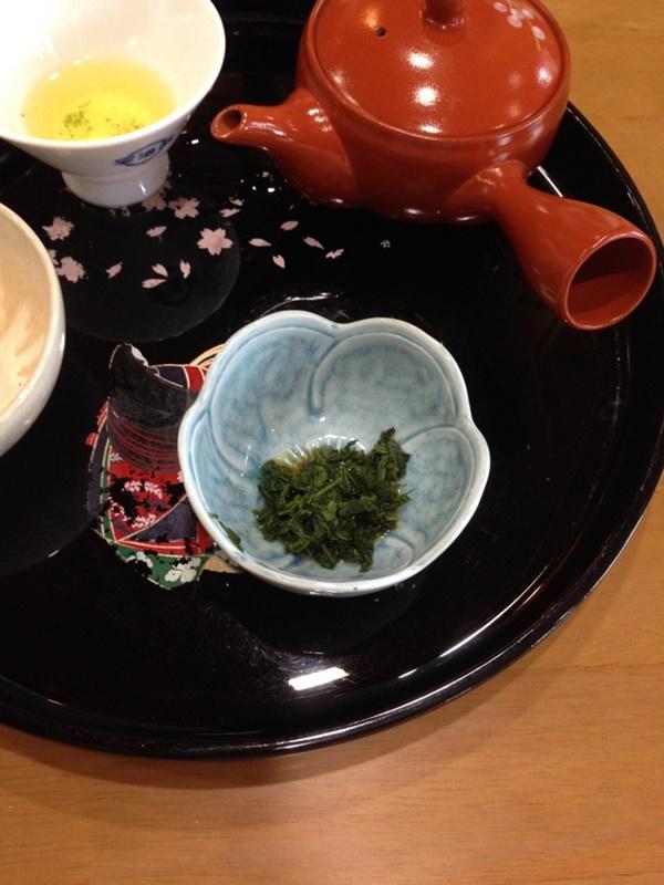 お茶の葉のお浸し