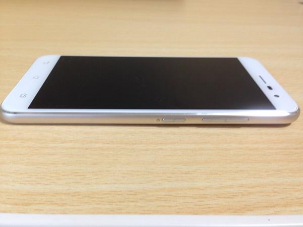 ZenFone3 ボタン