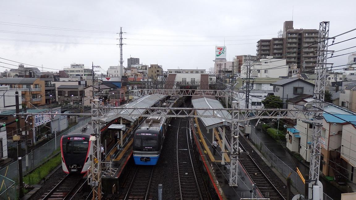 京成高砂駅(西側の陸橋から)