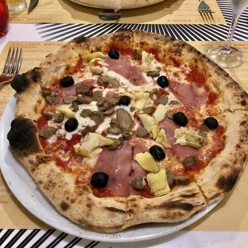 船内で焼いたピザ