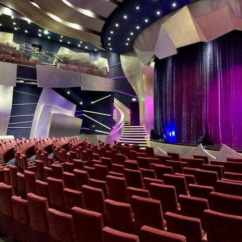 シアター(The Strand Theater)