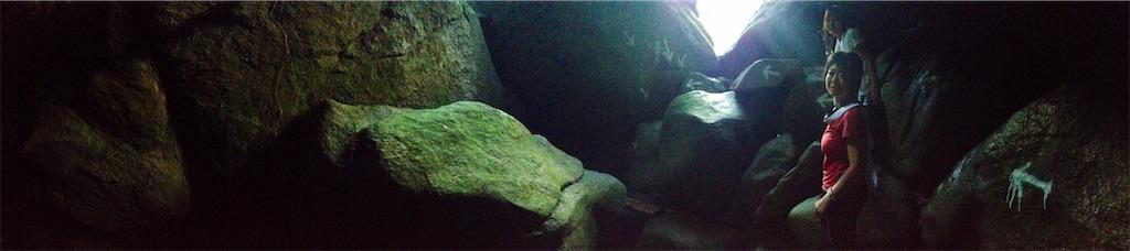 磐船神社の岩窟巡り