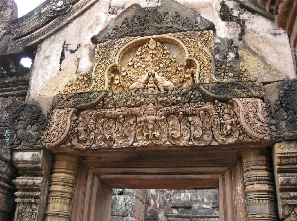 カンボジア、アンコールのバンテアイスレイ遺跡