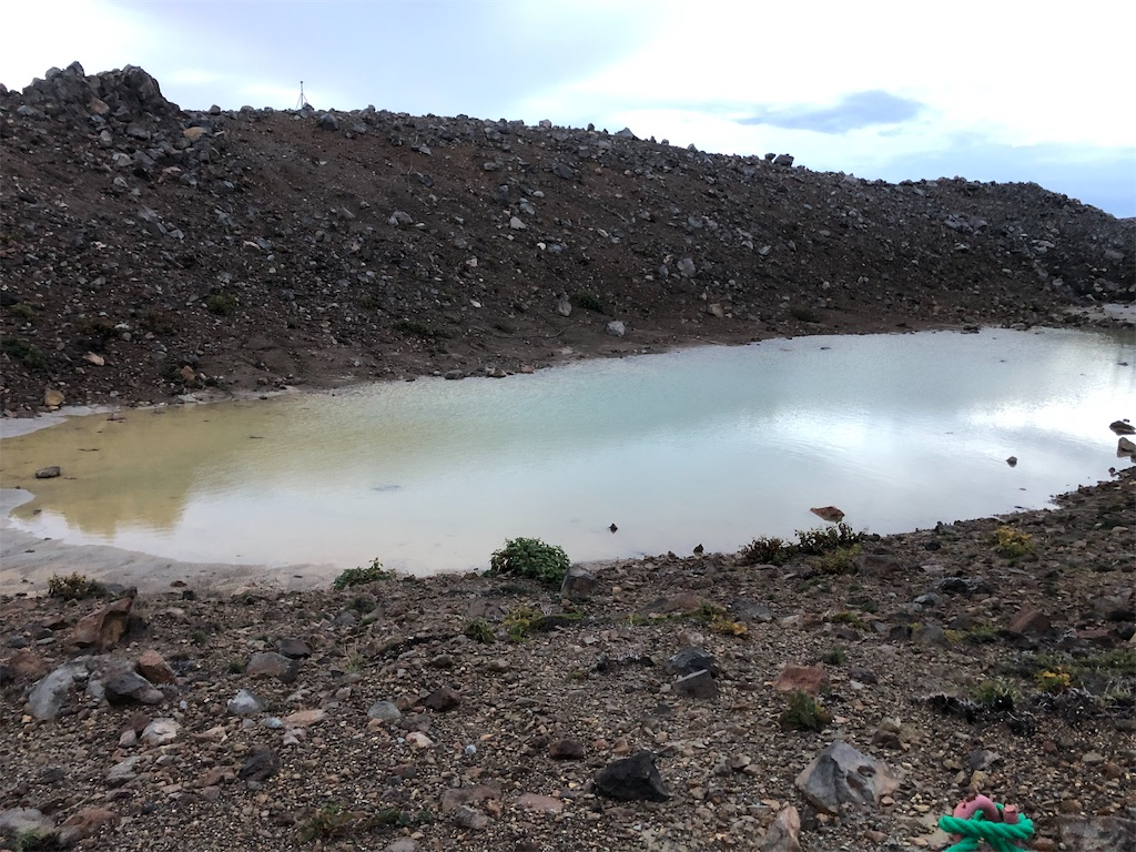 水をたたえた二の池の部分