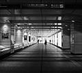 西新宿地下道 201904a