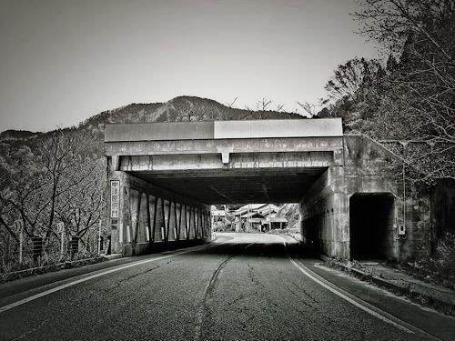 中津原洞門