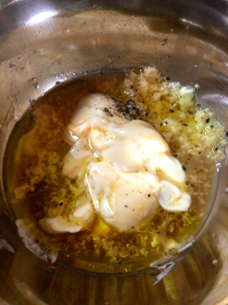肉を尊重する旨み味。レモンジンジャードレッシング(糖質2.0g)