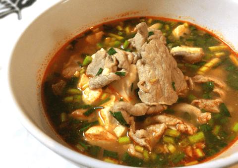 出汁が沁みこむ豚ネギ豆腐情熱チゲ(糖質16.8g)