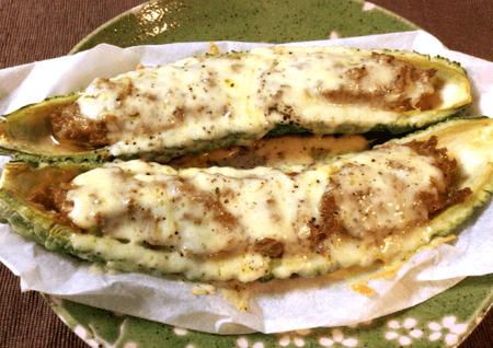 丸ごとゴーヤのカレーチーズバーグ(糖質4.2g)