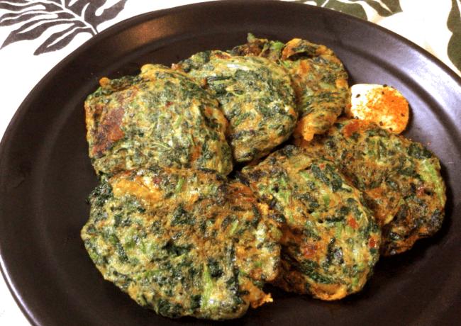 マヨ豆板醤のモロヘイヤチーズチヂミ(糖質4.7g)