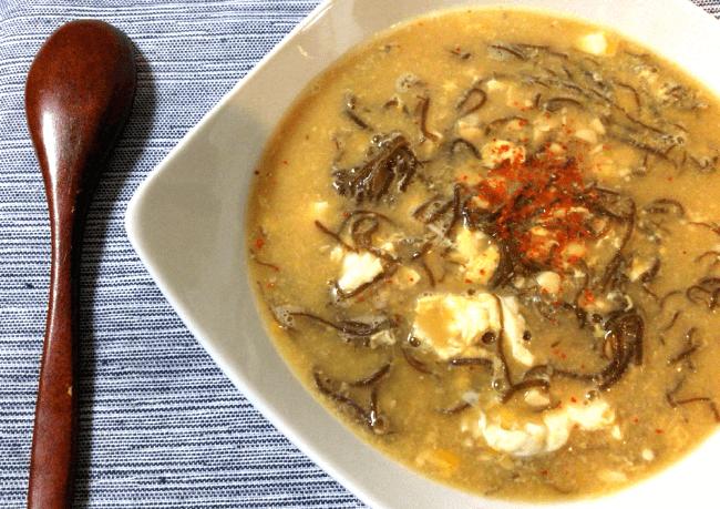 雑炊風モズク納豆の生姜卵スープ(糖質4.9g)