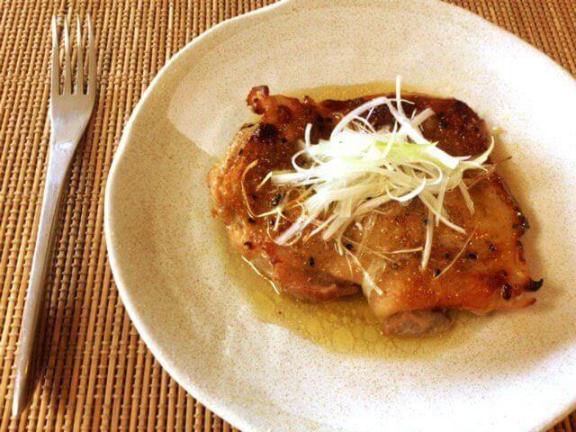 美味肉汁の山椒一味塩麹チキンステーキ(糖質6.4g)