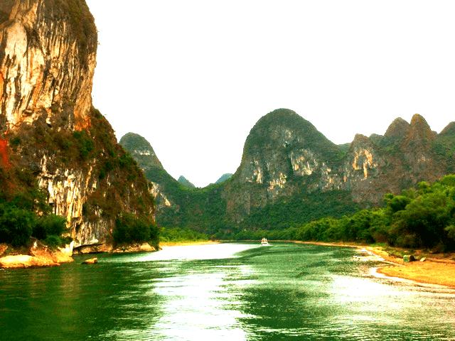 風光明媚な桂林川下りの景色に、色々洗われるの巻