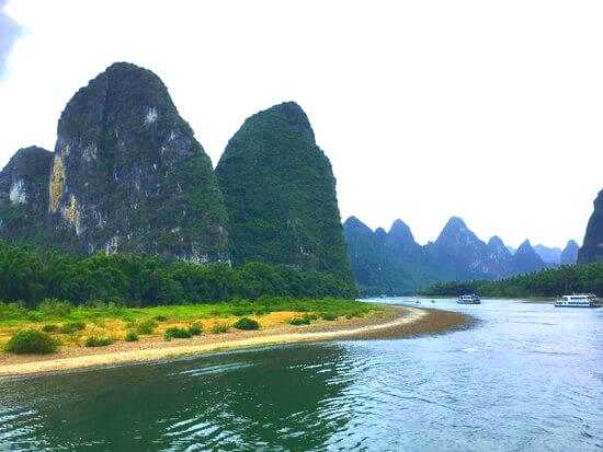風光明媚な絶景に震える、桂林川下り
