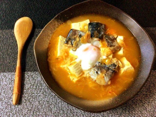 準備最楽のサバ水煮キムチコンソメ葱豆腐鍋(糖質8.5g)