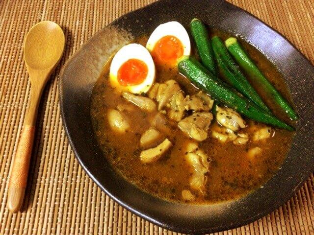 喉鳴る本格バジル味噌バタースープカレー(糖質7.4g)
