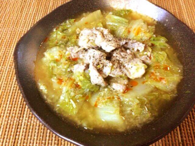 鶏ガラえのきネギ塩の絶品トロトロ鍋(糖質8.9g)
