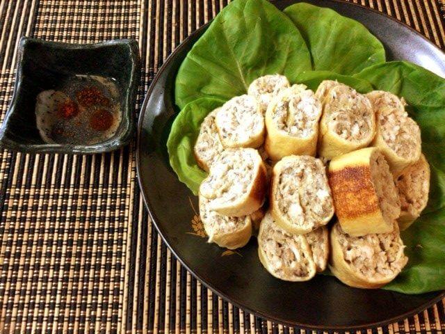 更なる旨さに。オイマヨ鯖缶チキンの辣油酢胡椒ロール(糖質5.3g)