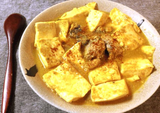 残業時はサバ缶豆腐の味噌バターカレー煮込み(糖質4.5g)