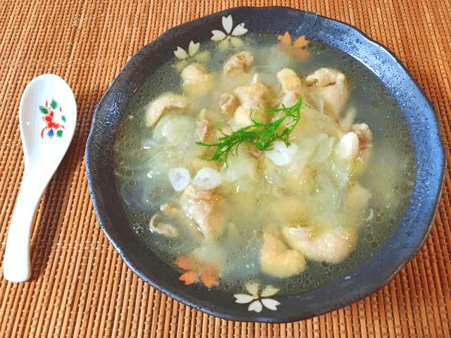大変美味しい鶏皮オニオン大蒜生姜スープ(糖質9.3g)