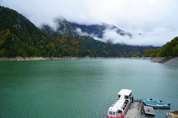 立山黒部アルペンルート|黒部湖遊覧船ガルベ