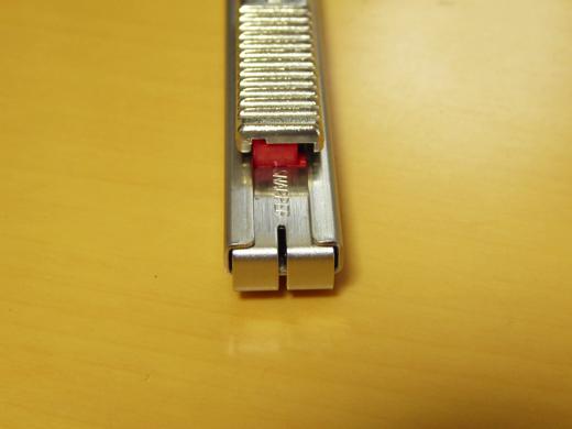 NT Cutter Professional AD-2P 刃を折る部位