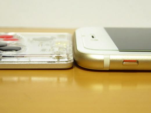 ArduboyとiPhone 6s 厚みを比較