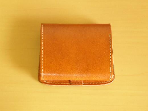 財布 2つ折り コンチャ 中身 裏