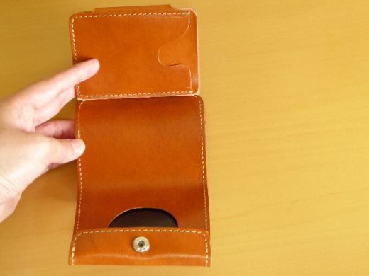 財布 2つ折り コンチャ カード入れ