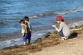京都新聞写真コンテスト びわ湖で遊んでもスマホ