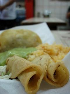 オルベラ街で食べたタコス