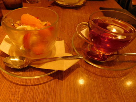 紅茶とデザート