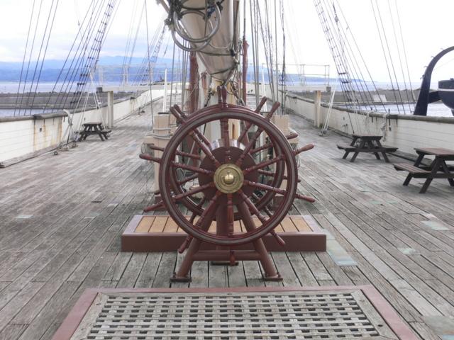 開陽丸の甲板