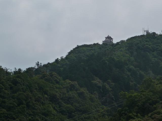 岐阜城を麓から