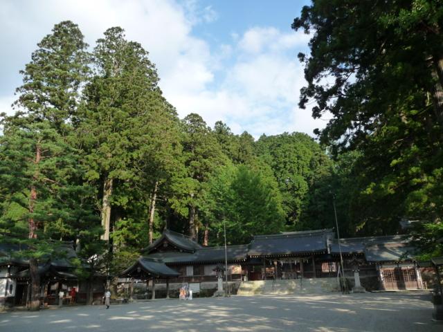 水無神社の境内