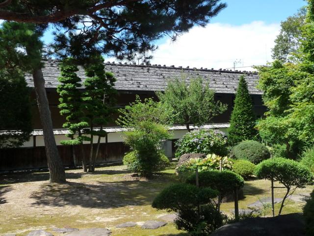 高山陣屋の庭