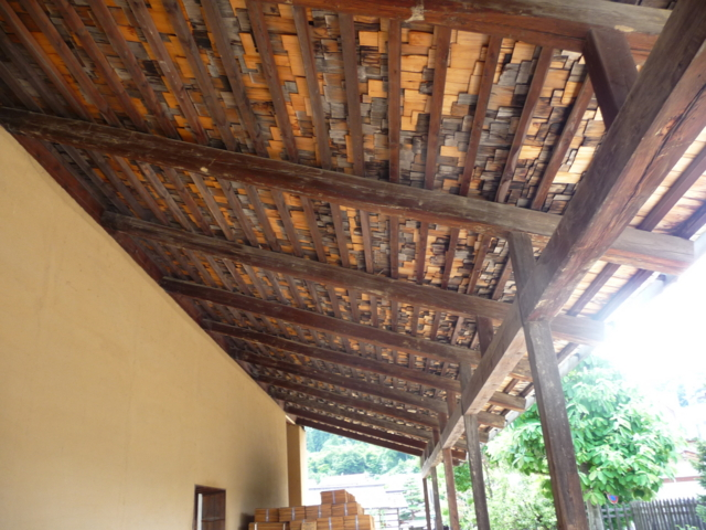 高山陣屋・板葺の屋根