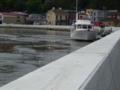 石巻・旧北上川にプカプカ浮かぶ船と海ねこ