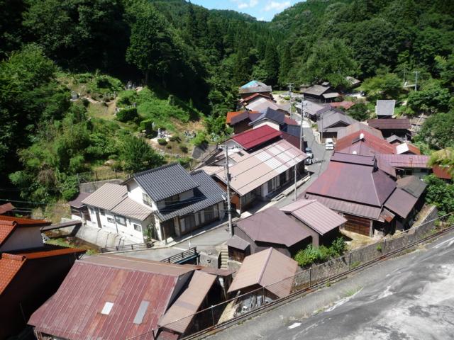 菅谷タタラ山内
