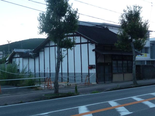 高山風の建物