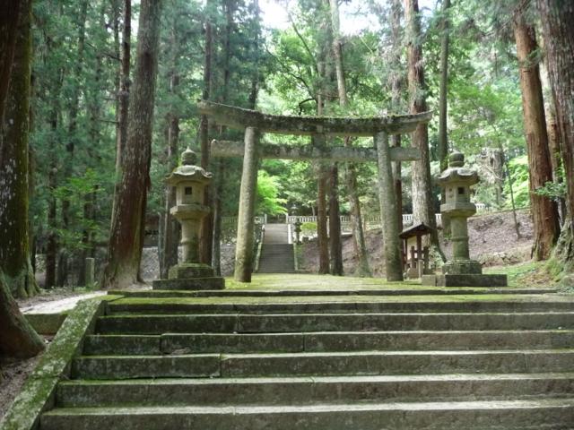 洞春寺跡の門
